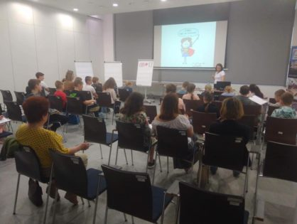 Wykłady i warsztaty na Uniwersytecie Dziecięcym w Puławach.